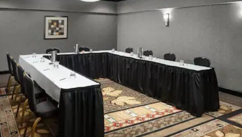 Charlotte Room 1